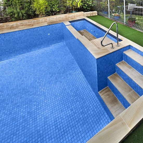 tiling services in outside swimming pool