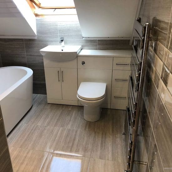bathroom in London house with a fitted bathroom