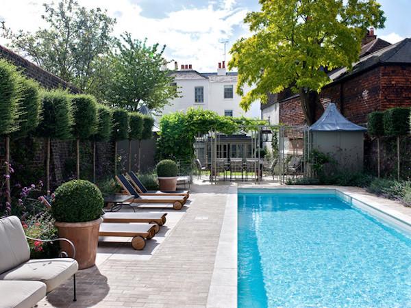 pool tilers in london